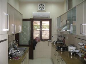Monochromatic scheme for kitchen